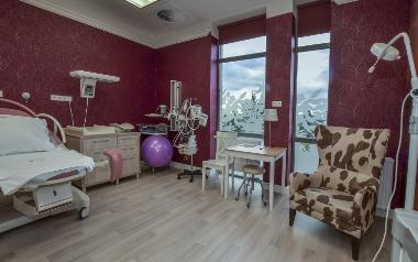 Poród w szpitalu specjalistycznym Pro-Familia - sala porodowa