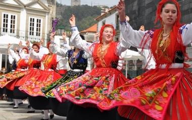 PORTUGALIA Grupo Folclórico e Cultural Danças e Cantares de Carreço