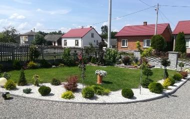 Ogród Iwony Cemerys z Wiązownicy Dużej w powiecie staszowskim