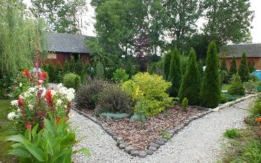 Ogród Mariusza Staszczyka ze Stanowisk, w powiecie włoszczowskim
