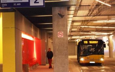 Luty. Otwarcie podziemnego dworca autobusowego w Katowicach.