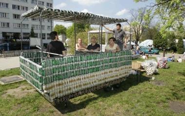 Tramwaj z puszek po piwie