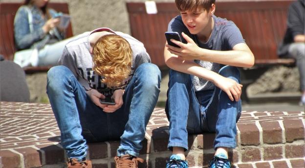 Czy twoje dziecko jest uzależnione od internetu? Zrób TEST i sprawdź, czy może być w grupie ryzyka!
