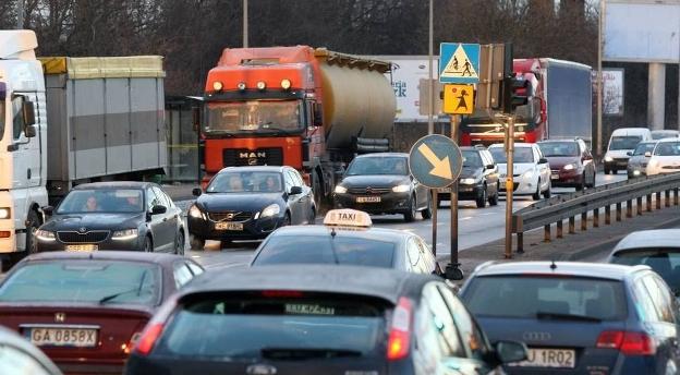 Czy mógłbyś zostać kierowcą ciężarówki? To nie takie proste! [quiz]
