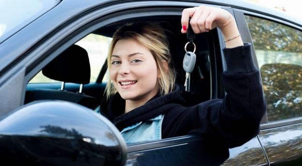 To musisz wiedzieć zdając egzamin na prawo jazdy! 15 nowych pytań z oficjalnych testów. QUIZ