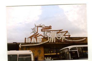 Kultowy bar Smok znajdował się: