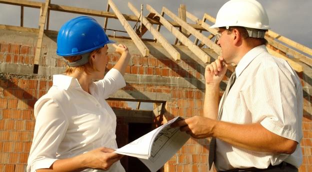 [QUIZ] Więźba, poziomica, spocznik… Czy dogadasz się na budowie?