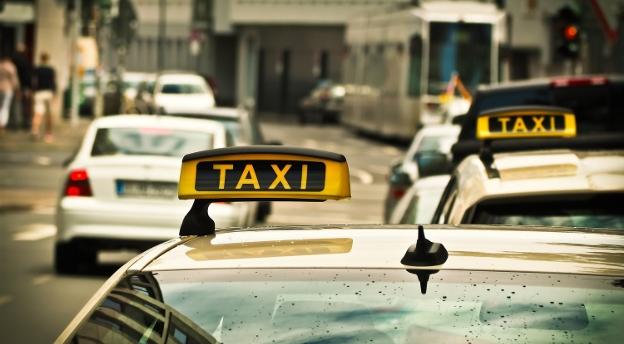 QUIZ. Sprawdź, co wiesz o pracy taksówkarza
