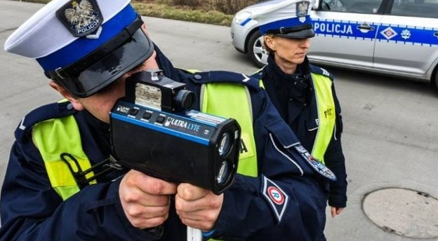 QUIZ. Czy zdasz egzamin na pracownika policyjnej drogówki?