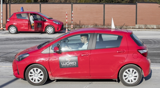 Nowy test na prawo jazdy. Odpowiesz na te 10 pytań? [quiz]