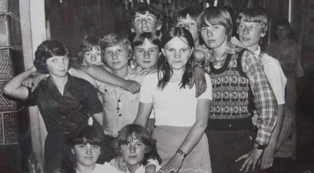 Gwara młodzieżowa lat 70. i 80. Znasz te słowa? [quiz]