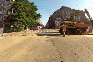 Czy masz obowiązek stosowania się do poleceń i sygnałów dawanych przez osobę wykonującą roboty na drodze na zlecenie zarządcy drogi?