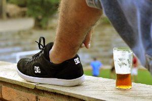 """Jeśli jest sobota i ukrywasz przed strażą miejską piwo pite na """"murku"""" to jesteś:"""