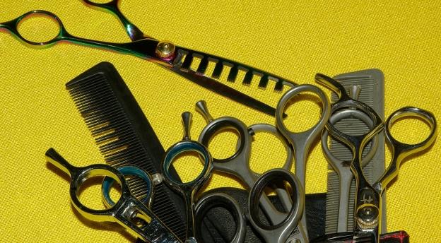 Czy wiesz, jak pracują fryzjerzy i kosmetyczki w czasie pandemii? [QUIZ]