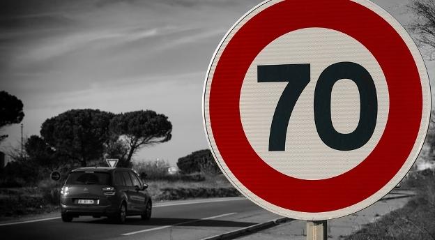 Jesteś kierowcą? Musisz mieć 12/12. Jak dobrze znasz te popularne znaki drogowe [QUIZ]
