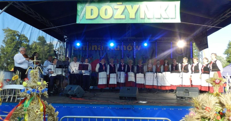 """Zespół śpiewaczy i kapela ludowa """"Kunowianie"""" , gmina Kunów"""