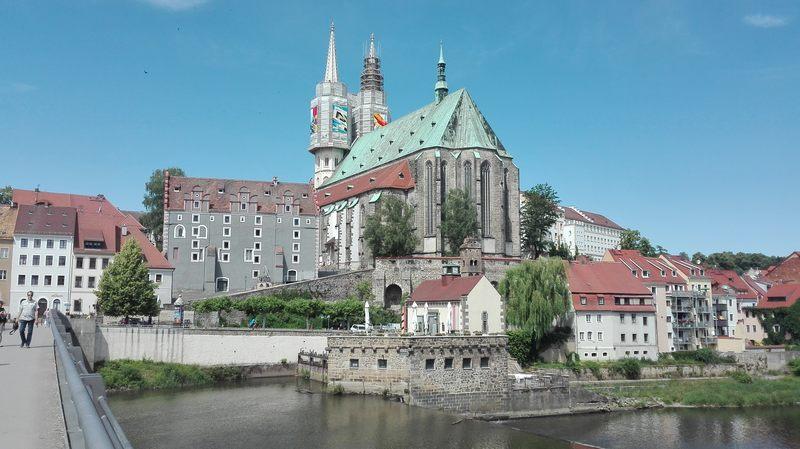 W którym przedzielonym rzeką mieście NRD uznała granicę polsko-niemiecka?