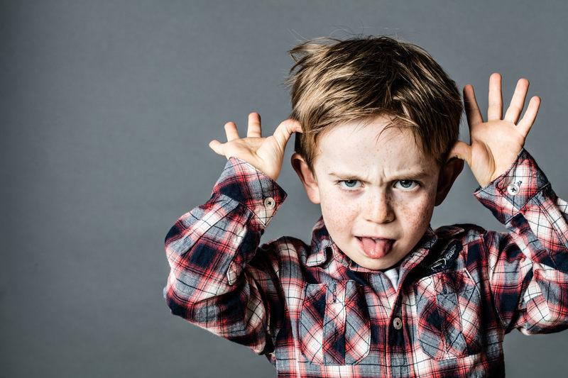 W internetowych opowieściach o roszczeniowych rodzicach, ich pociecha jest na ogół określana mianem...