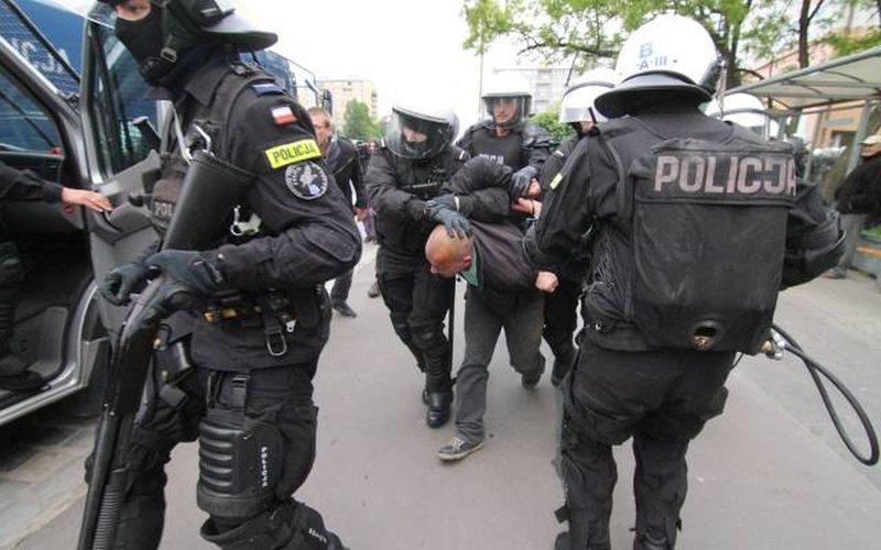 Tak mówią w policji! Czy znasz policyjny slang? [ROZWIĄŻ NOWY QUIZ]