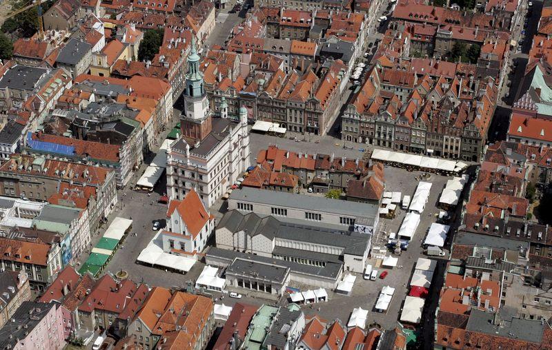Stary Rynek w Poznaniu jest...